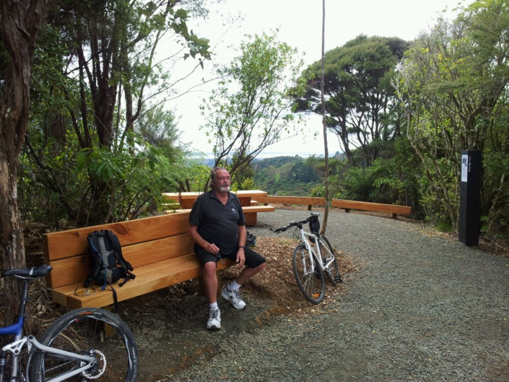 Beveridge Track, Titirangi
